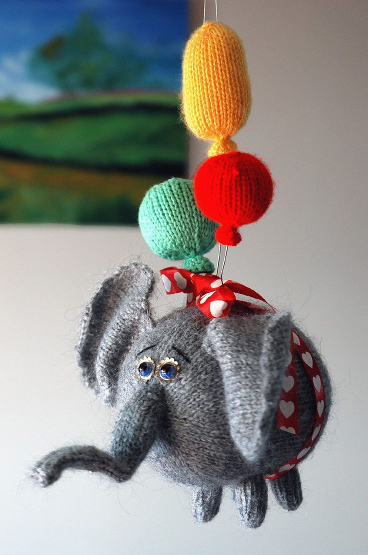 Knitting Pattern for Flying Elephant Toy - Adorable elephant softie with three knit balloons. The finished elephant is approximately 5.9x8.7 inches (15x22cm).