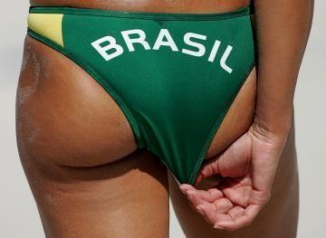 1. ONGs vão pipocar dizendo que apoiam o esporte, tiram crianças das ruas e as afastam das drogas. Após as olimpíadas, essas ONGs desaparecerão e serão investigadas por desvio de dinheiro público. ...