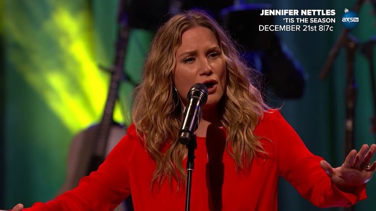 "Jennifer Nettles: ""O Holy Night"" - AXS TV"