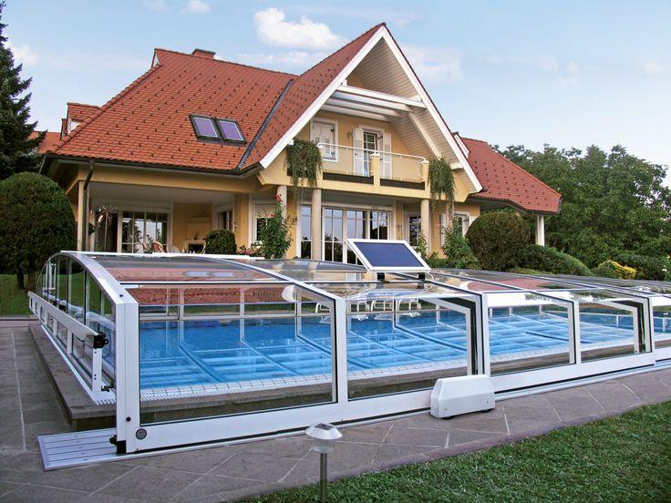 Zastřešení bazénu VIVA s nainstalovaným elektrickým posunem segmentů