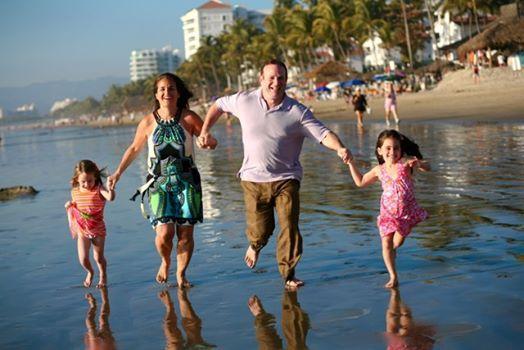 Наслаждайтесь тропическим солнцем и Карибским морем вместе со своей любимой семьей! http://rivieramaya.grandvelas.com/russian/