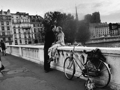 Romance on a bridge..: Paris, Bicycles, Kiss, Bike, Bridge, Places, Romance, Black