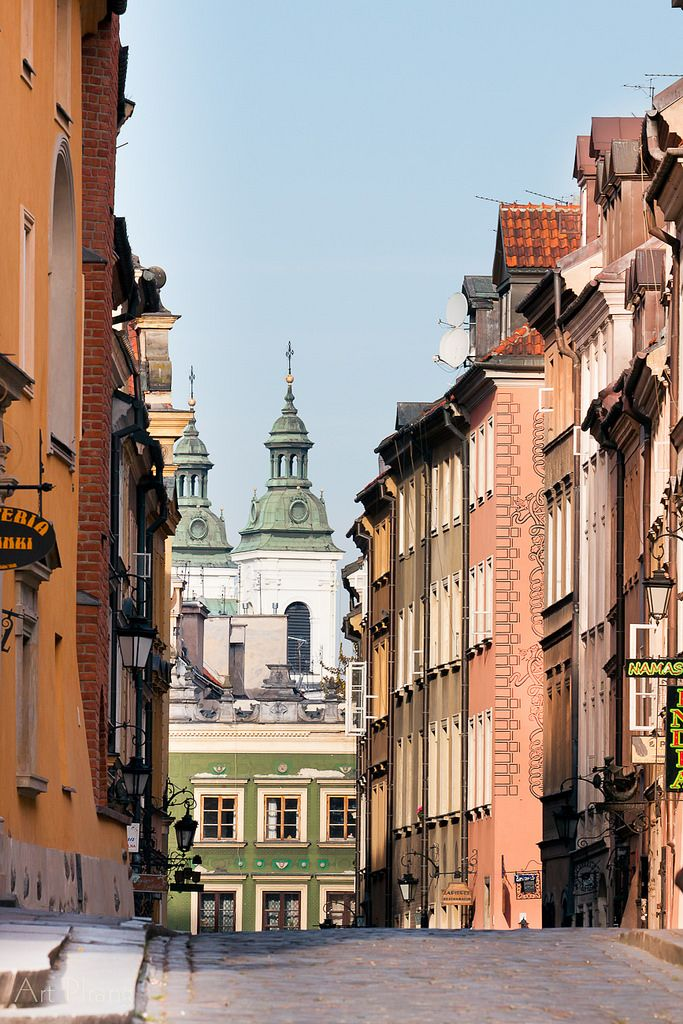 "allthingseurope: "" Warsaw, Poland (by Art Pirang) """