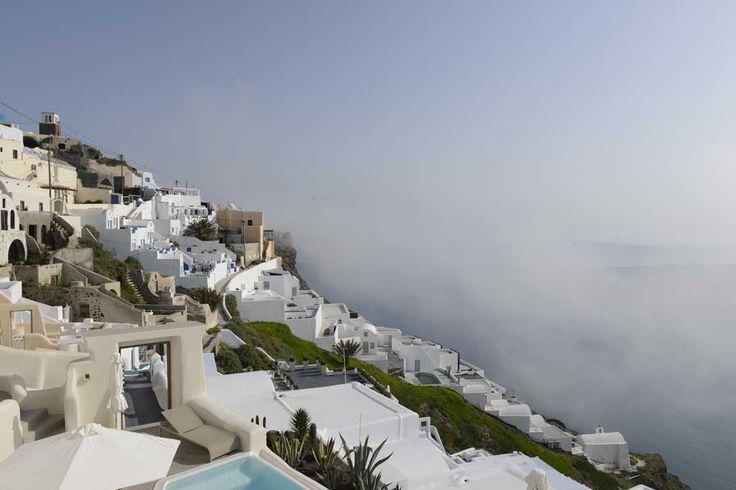 Hotels am Berghang Santorin Griechenland