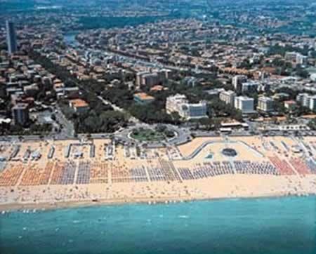 Rimini Italy   Guide Rimini Riccione Cattolica: Rimini beach