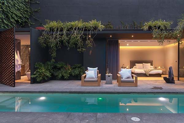 Modern restoration and renovation in Mexico City by Ezequiel Farca