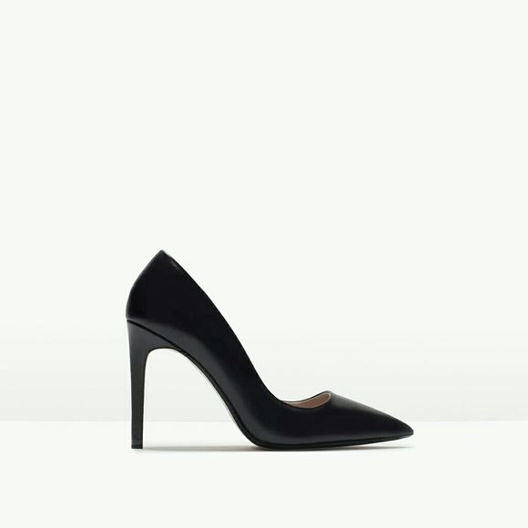 "Zara leather court shoes (2225) New with tag. EUR 39 US 8. Upper 100%cow leather.  Lining 80% polyurethane 20% polyester.   Black leather high heel shoes. Pointed toe and stiletto heel. Two tone color insole detail.   Height 10,1cm/3,89"" Zara Shoes Heels"