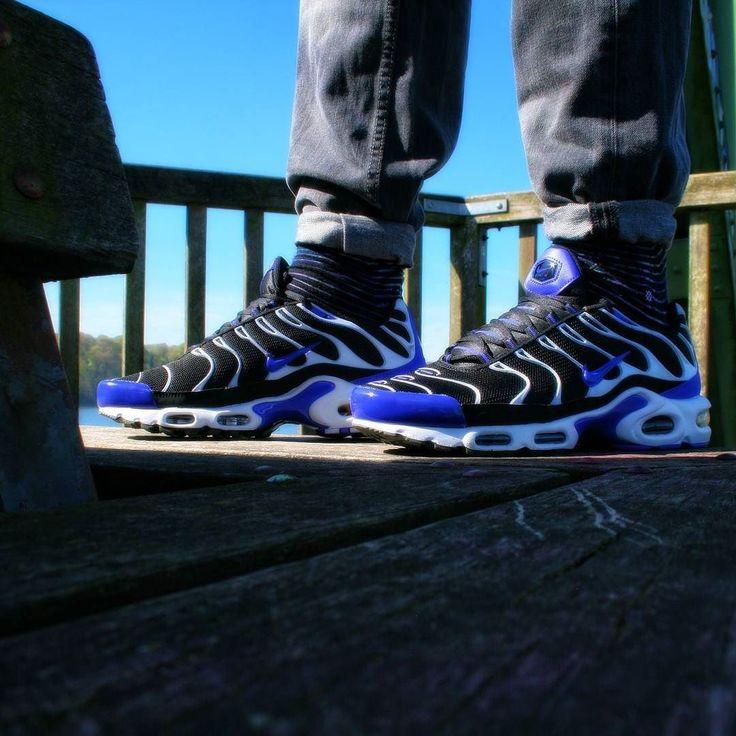 Nike Tuned 1Black-Persian Violet-WhiteFoot Locker exclusive @nike @footlockereu #sneaker #nike #airmax90 #sneakerhead #sneakerlovers #nicekicks #womf #solecollector #turnschuh #oldschool #minimalspieltrieb #photography #onfeet #footlockerexclusive