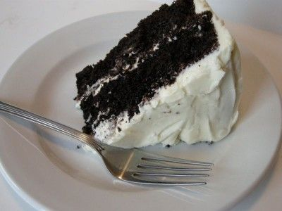 Chocolate Velvet Cake With Cream Cheese Icing (And why you are a good Mama if your cake is ugly)Cake Recipe, Chocolates Cake, Cream Cheese Ice, Cake Mixed, Cream Chees Ice, Southern Plate, Chocolates Velvet, Velvet Cake, Cream Cheeses