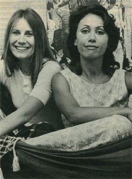 Renata Sorrah ao lado da atriz Dina Sfat.