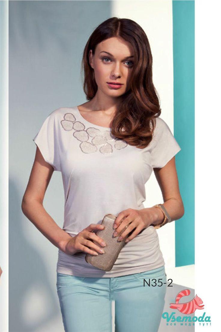 Блузка N35-2 Фирма производитель: Sunwear Страна производитель: Польша Артикул: N35-2 Размер: 44-54 Состав: 95% вискоза, 5% эластан