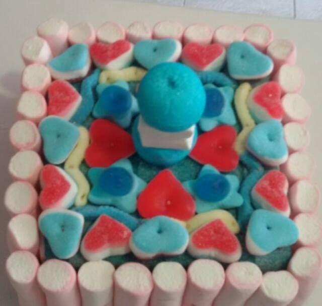 Mini tarta regalo para niño.