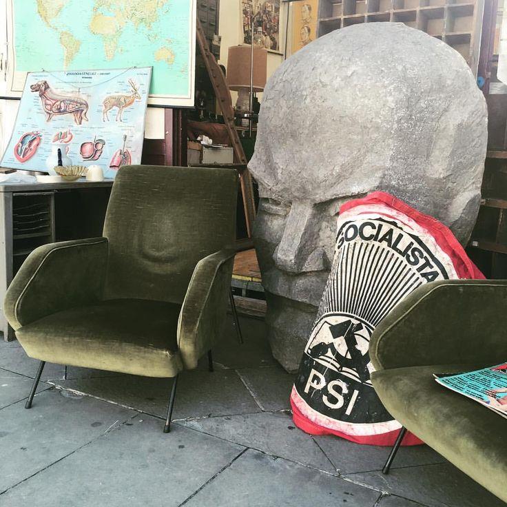 Zio Lenin is back!  #Canificio #mercatodellepulci #firenze #mercatodellepulcifirenze #stand18 #fleamarket #art #design #antiquariato #modernariato #vintage #lenin #cccp #sovietart #ilcomunismoarreda #comunismo #comunism #soviet #sovietsculpture...