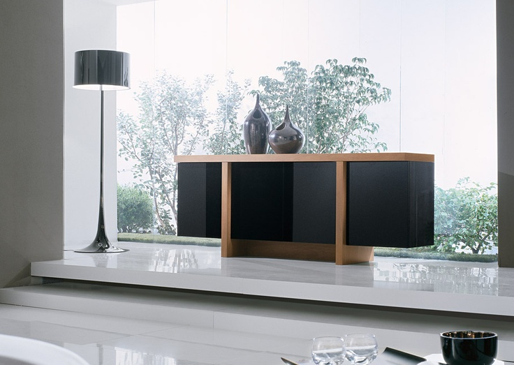 MADIA T LINE - Torchio walnut madia T line with doors and side panels black lacquered.  http://www.fimarmobili.com