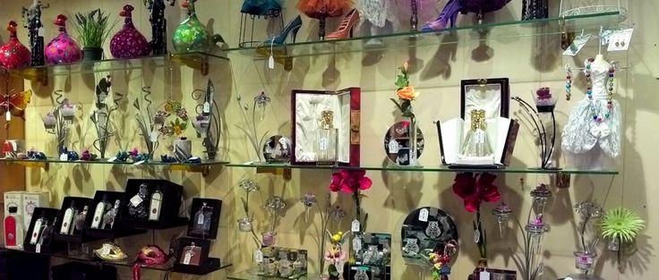 Maison Pékus à Bastogne - Même une boutique en ligne maintenant ! - Cadeaux personnalisables originaux : gravures 2D et 3D, miroirs gravés, assiettes en étain et bien plus encore !
