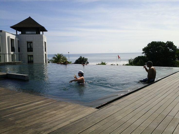 Pullman-Bali-Legian-Nirwana-Rooftop-Pool-Beach-View.jpg (2560×1920)
