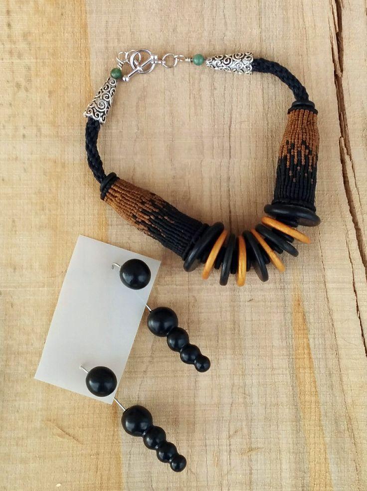 Boucles d'oreilles pate polymere et Acier inoxidable. Bracelet pate polymere, perles agate striées verte et acier inoxidable pour les appprets, macraMÉ 3D avec fils de nylon et polyestere ciré