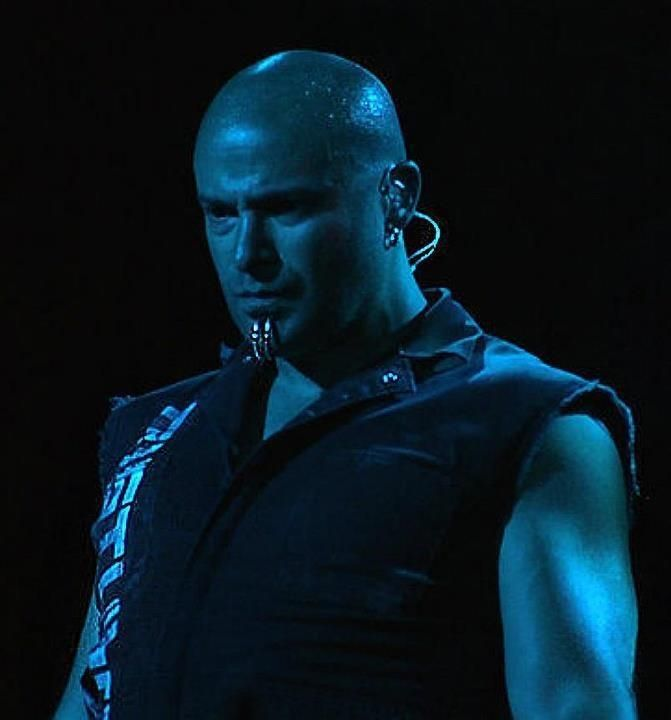 David Draiman.  Those piercings! ❤️❤️❤️