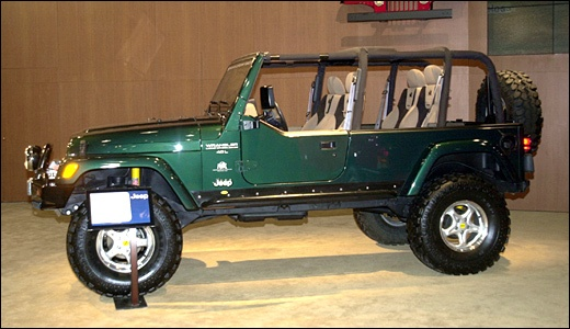 aev long wheel base tj 112 stretch concept show car from american expedition vehicles. Black Bedroom Furniture Sets. Home Design Ideas
