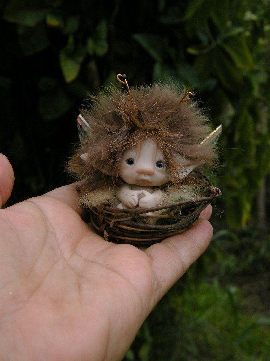 sweet tiny ooak full sculpt 2 inch fairy fairie bug in tiny nest