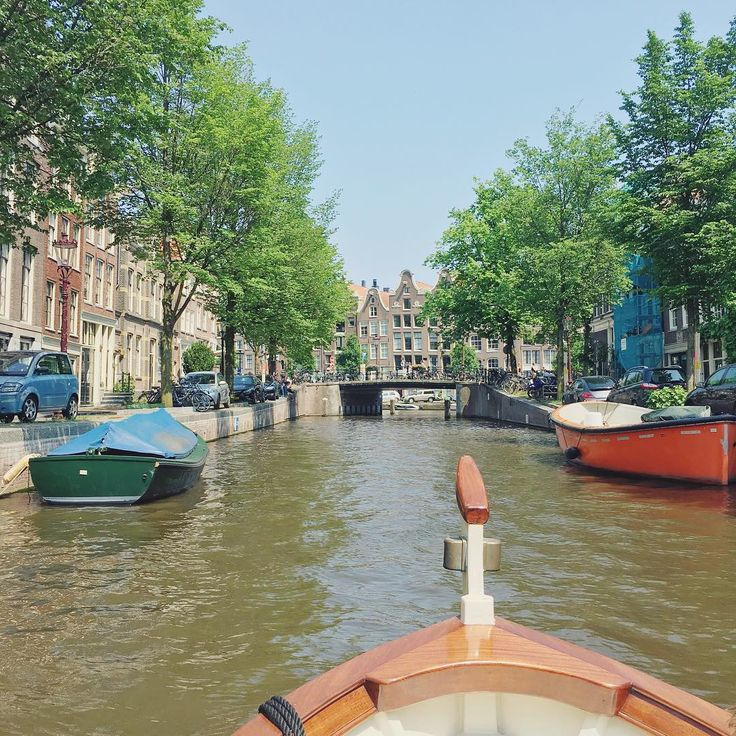 Today is a perfect day to get on a #boat and cruise the #canals of #Amsterdam! #view #igamsterdam #igersamsterdam #gramthedam #travel #instatravel #travelgram