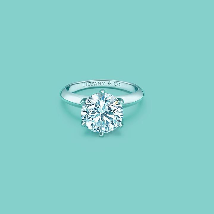 Tiffany ring!!! I want something so simple, yet so amazingly beautiful at the same time. This would have to be my dream ring.
