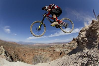 Red Bull Rampage: descente VTT GoPro [video] - http://www.2tout2rien.fr/red-bull-rampage-descente-vtt-gopro-video/