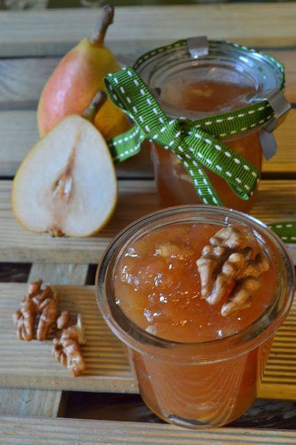 Per le giornate uggiose, una ricetta marchigiana da provare: Marmellata di pere angelica e #noci. Procuratevi pere angelica, zucchero, limone e noci e poi... al lavoro!