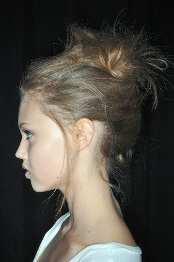 LINDSEY WIXSON. CUTE AND MESSY BUN. long lost twin possibly??
