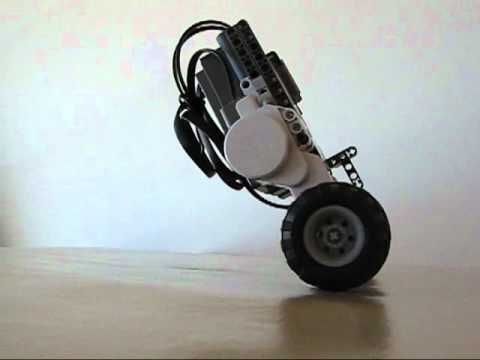▶ LEGO NXT Balancing Road TwoWheels Robot - YouTube