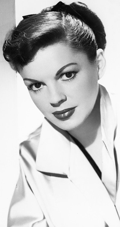 Judy Garland looking lovely. Unfortunately this polished facade hid a bundle of…