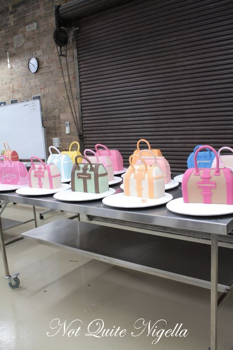 Purse Cake TUTORIAL--- Complex Handbag Class at Planet Cake completed by Not Quite Nigella