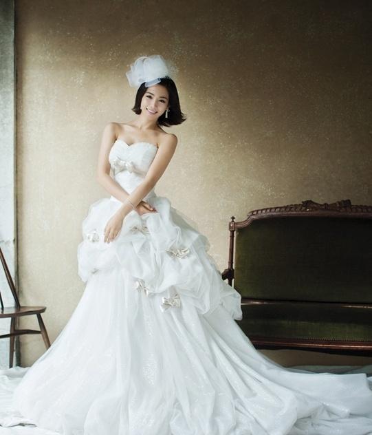 Korean Wedding Gowns: 50 Best Images About Korean Wedding Gown / Bridal