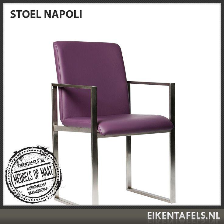 http://www.eikentafels.nl/product,Stoel+Napoli,381 , Stoel Napoli: Met haar industriele uiterlijk, dankzij het gebruik van glanzend metaal en strakke hoeken, oogt onze stoel Napoli prachtig modern. De comfortabele, stevige zit maakt deze stoel tot een must voor elk modern interieur. Deze stoel kan worden uitgevoerd in kunst leer, meerdere soorten echt leder of stof. Ook bij deze stoel hebben wij dé perfecte eiken tafel. Eikentafels.nl maakt immers uw tafel op maat, geheel volgens uw wensen!