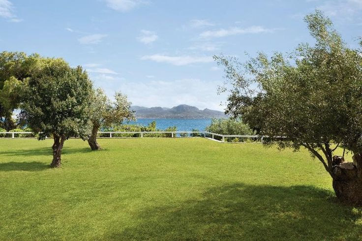Explore the beautiful gardens of Ramada Loutraki Poseidon Resort where the green scenery combines perfectly with the blue sea of the Corinthian Gulf!