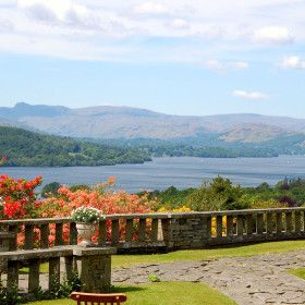 Gossel Ridding - The Big Cottage Company Lake district over lake windermere 3 nights £4,500, 8 acres, cinema room. sleeps 15 11 july yes too expensive  15 people £300