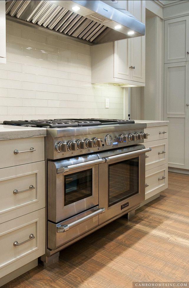 Kitchen Ideas. Kitchen Range, Kitchen Backsplash, Kitchen Countertop and Kitchen Cabinets. #Kitchen Cameo Homes Inc.