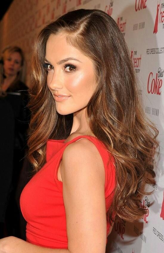 Hair: Brown & Wavy; Glowing Face