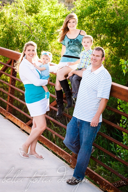 Family photo ideas family posing ideas bridge photo childrens kids pictures this