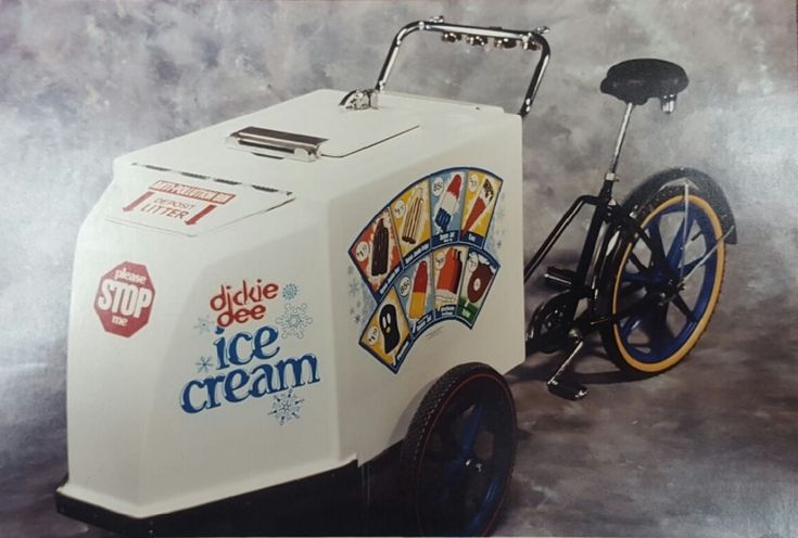 Back in the late 70's or early 80's I was driving one of these. Our family was the Dickee Dee Ice cream people.