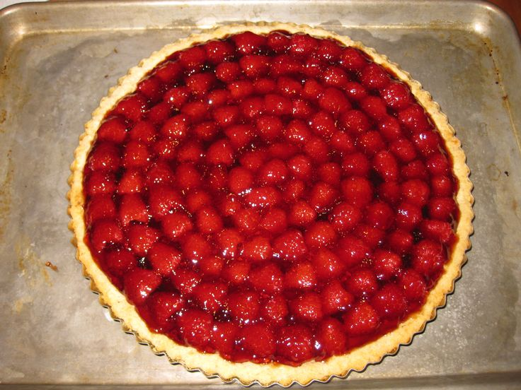 This is a raspberry/pastry cream/walnut crust tart I made today ...