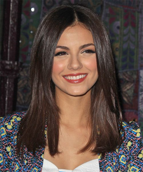 Do I dare chop my hair, like this, but a little shorter?!  Enough to donate to locks of love!!