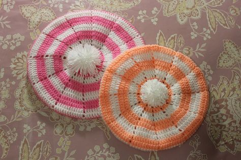 Детский берет на 2, 5 - 3 года крючком. Crochet girl's' cap.