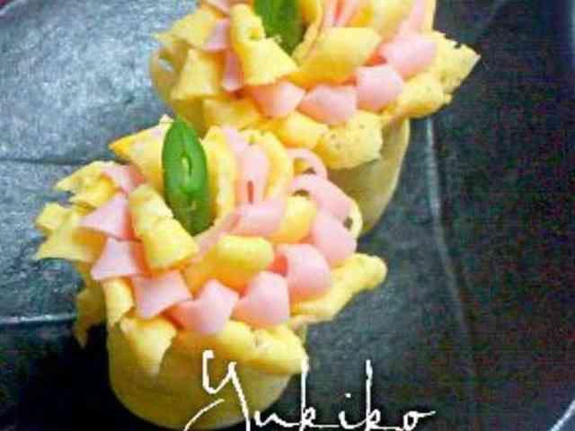 お弁当に☆薄焼き卵とハムのお花❀の画像