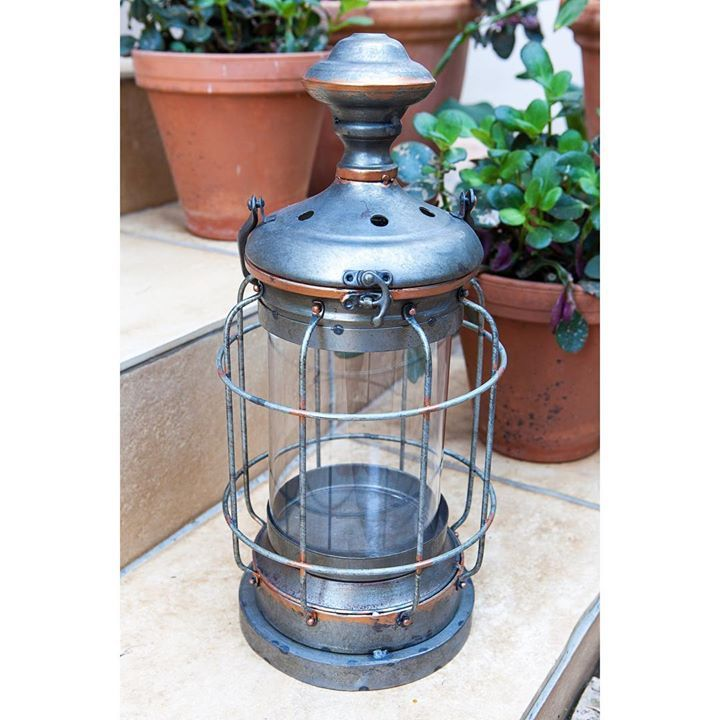 We adore these rusted table lamps. Use them outside with a beautiful candle in to create a relaxed environment. We think these would even be great with an industrial globe in! #industrial #lighting #marielleetcie #homedecor http://ift.tt/2s1ieqP