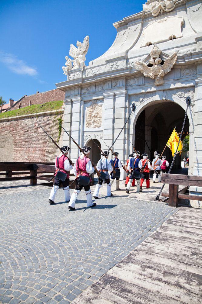 Ciudad de Alba Iulia, Rumania - Alba Iulia es la capital del distrito de Alba, en Transilvania, Rumania. Está situada a orillas del río Mureş,