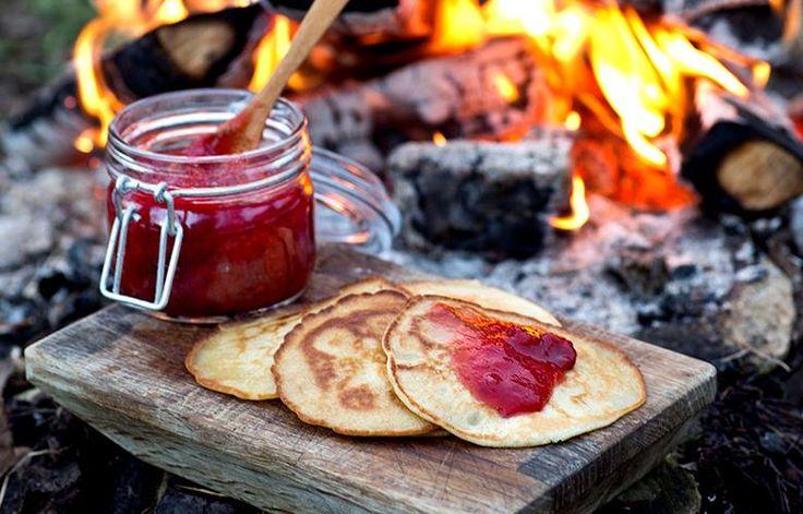 Pannekaker er perfekt turmat. Ta med pannekakerøre i sekken, eller ferdigstekte pannekaker. Oppskrift og tips.