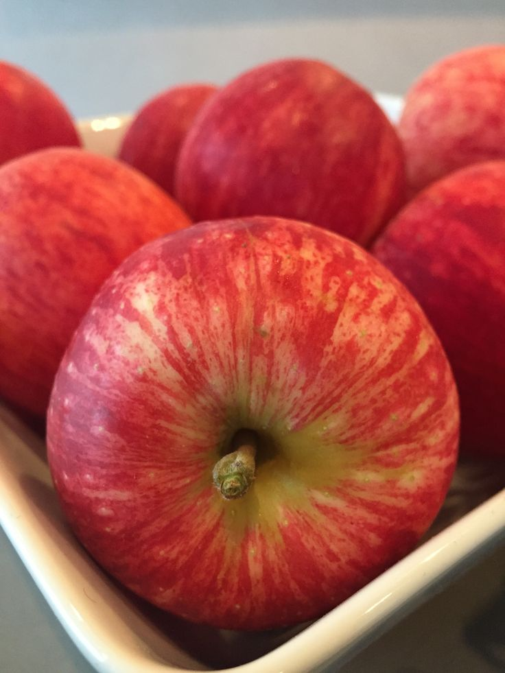 Seasonal fruit available at Reception for our guests.  http://www.thecrownnapier.co.nz