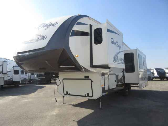 2016 New Forest River BLUE RIDGE 2910SK Dual Pane Windows/Outd Fifth Wheel in California CA.Recreational Vehicle, rv, 2016 Forest River BLUE RIDGE 2910SK Dual Pane Windows/Outdoor Kitche, Interior Color: CHESTNUT, Water Capacity: 73, Number of AC Units: 1, Leveling Jack: 6 POINT HYDRAULIC AUTO LEVELING, Self-Contained: Yes, Number of Slideouts: 3, Cabinetry: Cherry, The following is a list of Additional Options besides the Standard Features come with the unit are:- 2016 BLUE RIDGE 2910SK…