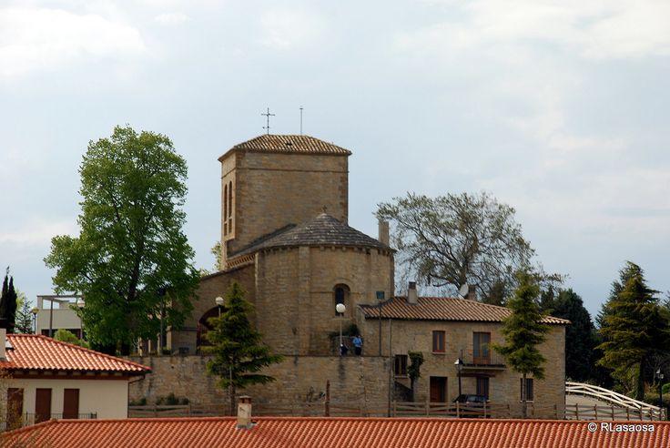 Parroquia de San Emeterio y San Celedonio, iglesia románica de Cizur Menor, Navarra :: Albergues del Camino de Santiago